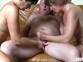 Chubby,Mature,Tattoo,Threesome,Amateur,Grannies