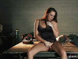 Passionate outdoor sex in the rain with stunning Chanel Preston