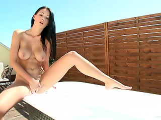 Masturbation,Brunette,Outdoor,Natural,Solo,Babe,Big Boobs