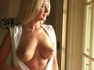 Babe,Fingering,Solo,Natural,Blonde,Reality,Nipples,Big Boobs