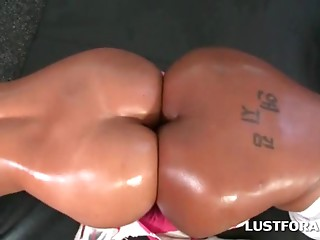 Ass to ass scene with mulattas in foursome at gym