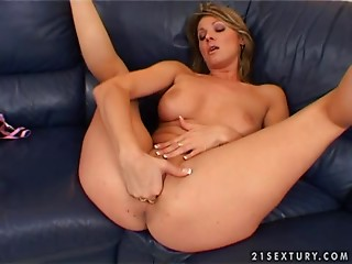 Solo,Fisting,Arab,Babe,Blonde,Fetish,Car Sex,Natural