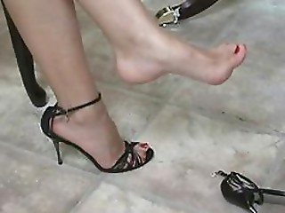High Heels,Babe,Brunette,Fetish,Foot Fetish
