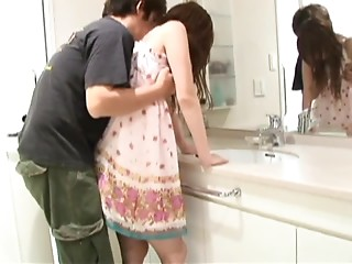 Sexy Usagi Amakusa Gets Creampied Before Taking a Shower
