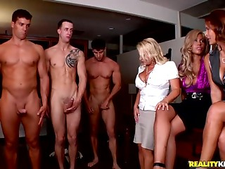 CFNM,Latina,Cumshot,Group Sex,Party,Reality,Big Cock,Blowjob