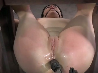 Machine,Anal,BDSM,Brunette,Sex Toys,Slut